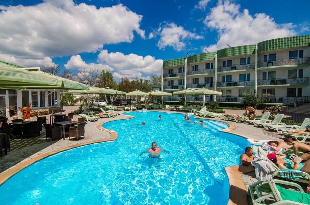 Отели Евпатории - Бронирование | Поиск и цены | Официальный сайт